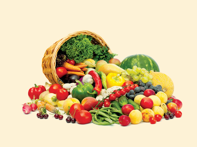 Khi bị mụn lẹo, người bệnh nên ăn nhiều thực phẩm có tính mát như trái cây, rau củ, nước ép hoa quả